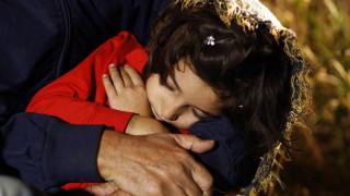 Ξενοδοχείο προσφύγων στην Αχαρνών: Αλληλεγγύης και Οργάνωσης, γωνία...