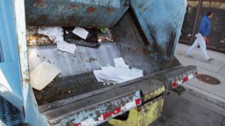 Αποκοιμήθηκε σε κάδο σκουπιδιών, τον «μάζεψε» απορριματοφόρο, αλλά επέζησε