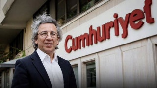 Παραιτήθηκε ο διευθυντής της τουρκικής εφημερίδας Cumhuriyet