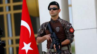 """Τουρκία: Έφοδοι με """"άρωμα"""" Γκιουλέν σε επιχειρήσεις στην Πόλη"""