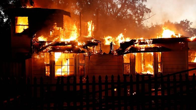 Καλιφόρνια: Εκκενώνουν κατοικημένες περιοχές λόγω πυρκαγιάς