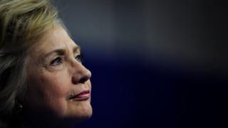Το FBI έδωσε στοιχεία για τα email της Κλίντον στο Κογκρέσο