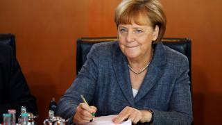 Μέρκελ: Δεν έφεραν οι πρόσφυγες την τρομοκρατία στη Γερμανία