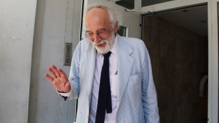 Αποσύρεται από την υπεράσπιση του 77χρονου ο Λυκουρέζος