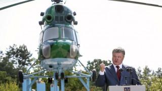 Για στρατιωτικό νόμο μιλά ο Ποροσένκο