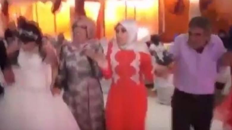 Τουρκία: Χάος σε γάμο από την έκρηξη παγιδευμένου αυτοκινήτου (vid)