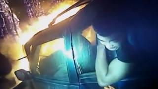 Δραματική διάσωση επιβάτη από φλεγόμενο αυτοκίνητο