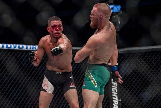 2016 08 21T052145Z 505447940 NOCID RTRMADP 3 MMA UFC 202 DIAZ VS MCGREGOR 2