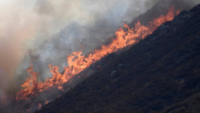 Μάχη με τις φλόγες στην Καλιφόρνια