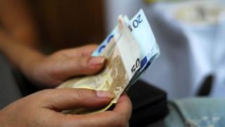 Με βάση τα εισοδήματα του 2015 οι εισφορές των ελεύθερων επαγγελματιών