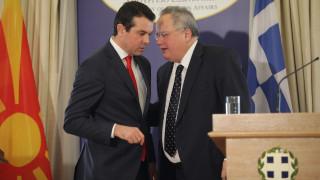 Ο Κοτζιάς μιλά σε διπλωμάτες της ΠΓΔΜ