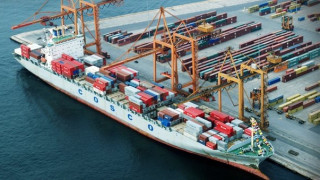 «Χρυσοτόκος όρνιθα» το λιμάνι του Πειραιά για την COSCO