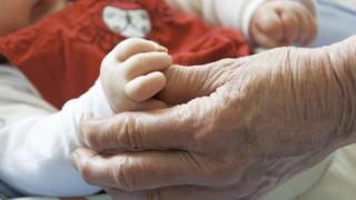 Κατά 19.394 περισσότεροι οι θάνατοι από τις γεννήσεις