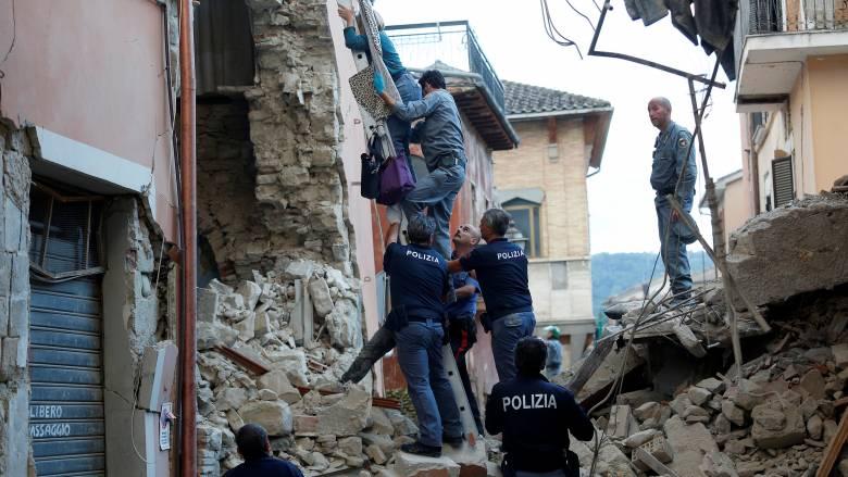 Σεισμός-Ιταλία: Δεν πρόκειται να μείνει κανένας μόνος του και αβοήθητος τονίζει ο Ρέντσι