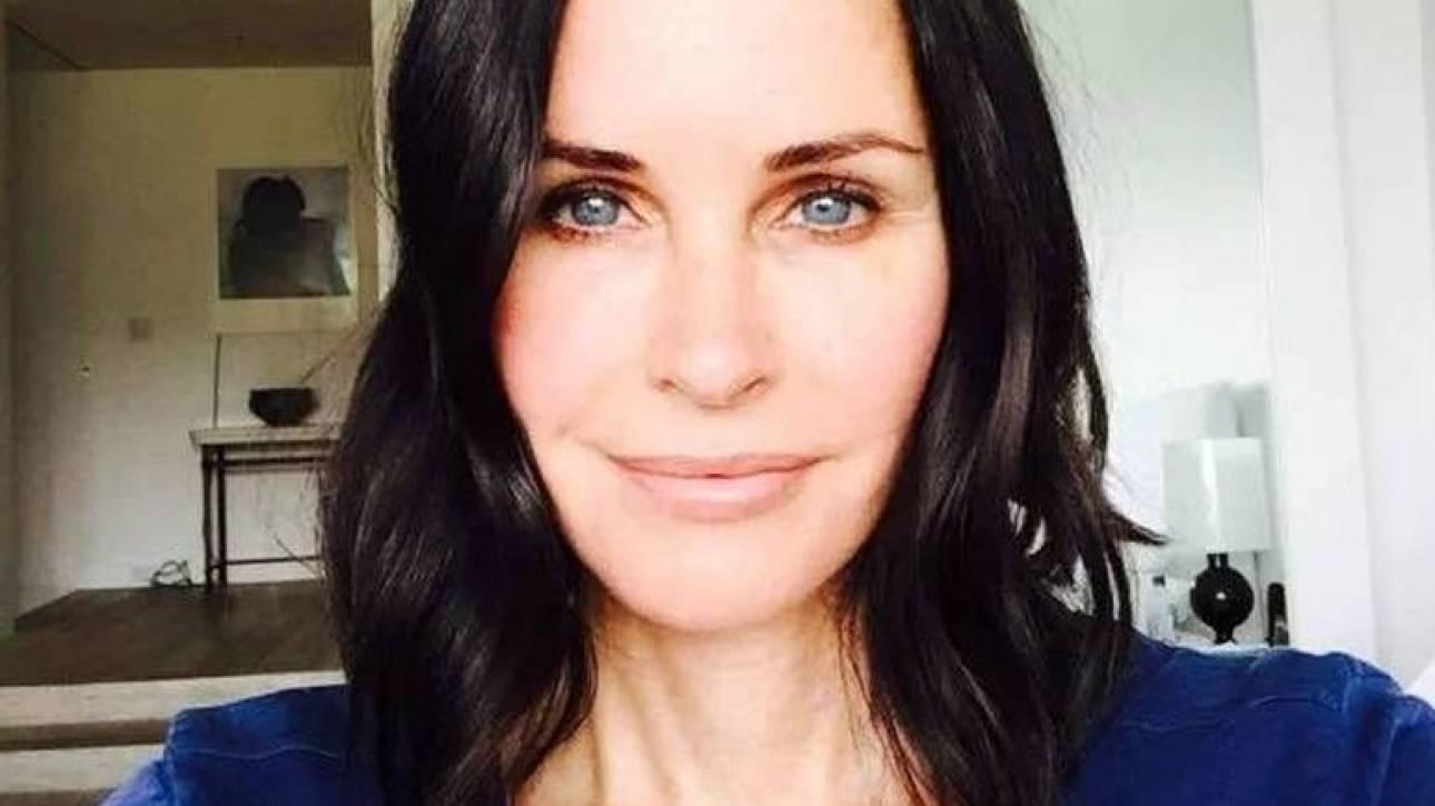 «Μετανιώνω». Η Κόρτνεϊ Κόξ αποκηρύσσει την πλαστική ομορφιά του Χόλιγουντ