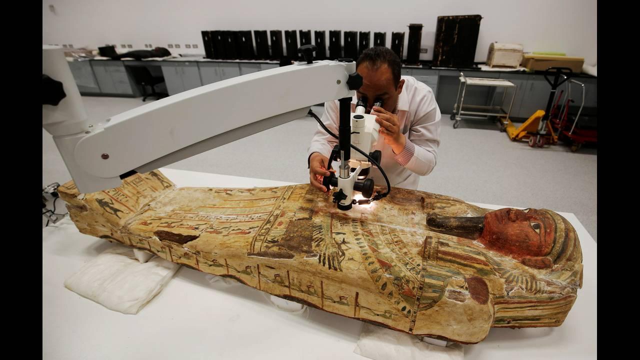 https://cdn.cnngreece.gr/media/news/2016/08/24/43871/photos/snapshot/EGYPT-MUSEUMS-ARTIFACTSREUTERSAmr-Abdallah-Dalsh1.jpg