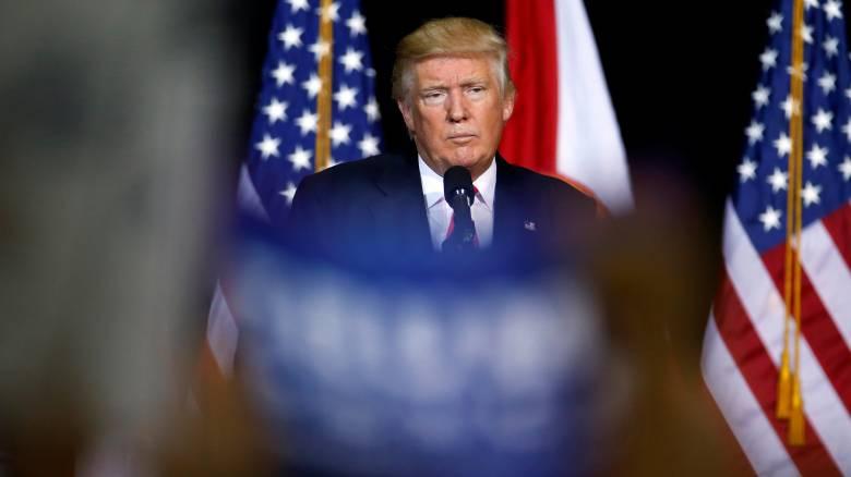 Σε προεκλογική εκδήλωση του Τραμπ θα μιλήσει ο Φάρατζ