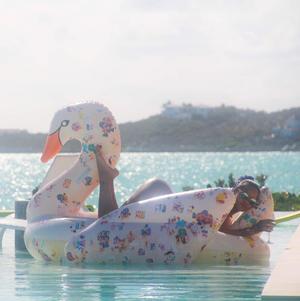 Η Rihanna στην Καραϊβική