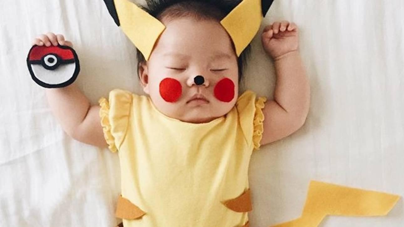 Αυτό το μωρό λυγίζει το Instagram όσο κοιμάται