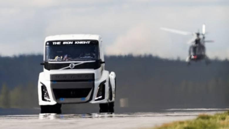 Μπορεί ένα φορτηγό να είναι τόσο γρήγορο όσο ένα σούπερ σπορ αυτοκίνητο;