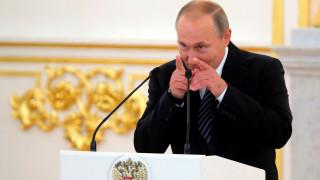 Στο Κρεμλίνο οι Ρώσοι Ολυμπιονίκες: Τα λουλούδια και το πανάκριβο δώρο του Πούτιν