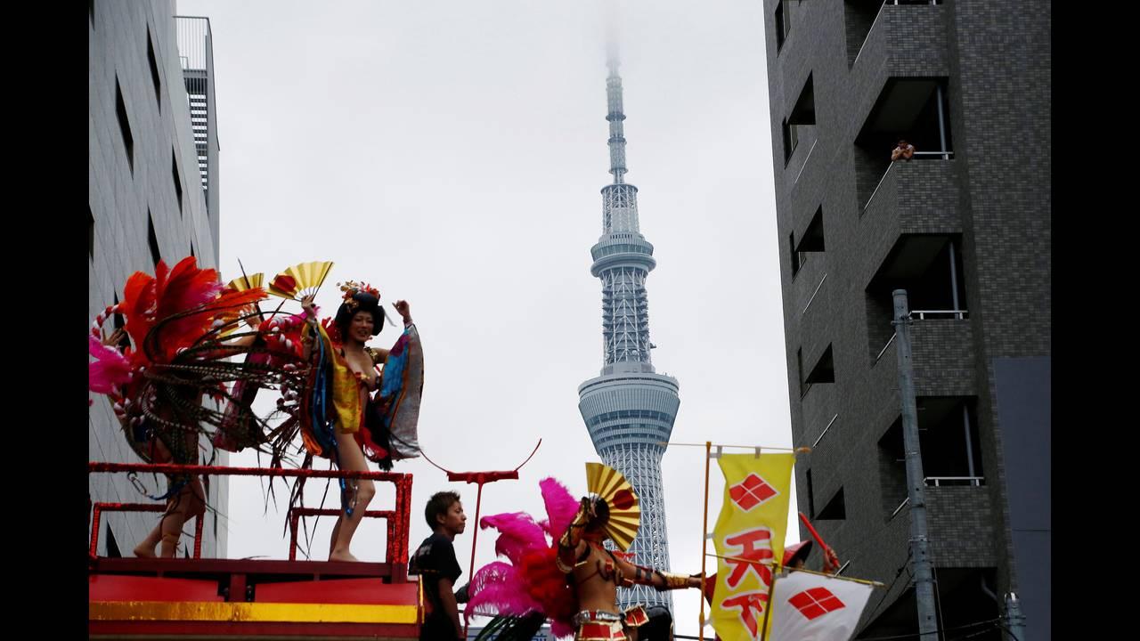 https://cdn.cnngreece.gr/media/news/2016/08/27/44164/photos/snapshot/JAPAN-FESTIVAL-SAMBAREUTERSKimKyung-Hoon4.jpg