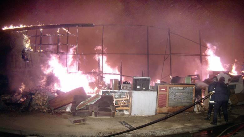 Μόσχα: 16 νεκροί από φωτιά σε αποθήκη