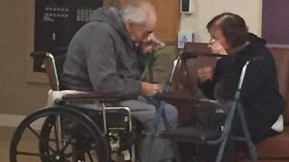 Αντρόγυνο χωρίστηκε μετά από 62 χρόνια επειδή δεν μπορεί να πάει στο ίδιο γηροκομείο