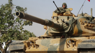 Τουρκικά άρματα κινούνται προς περιοχές που κατέχουν οι Κούρδοι (vid - pics)