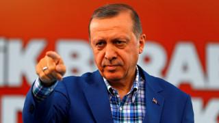 Τούρκος υπουργός: Κανείς δεν έχει δικαίωμα να μας υποδείξει ποια τρομοκρατική οργάνωση θα πολεμάμε