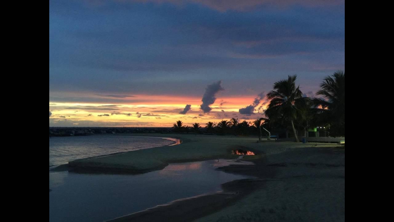 https://cdn.cnngreece.gr/media/news/2016/08/29/44440/photos/snapshot/puerto-rico-sunset.jpg