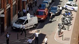 Επίθεση σε αστυνομικό τμήμα στην Τουλούζη: τραυματίστηκε αστυνομικός