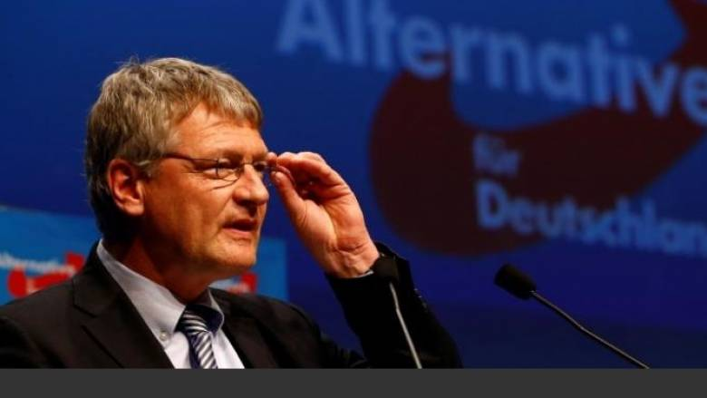 Γερμανία: Eπίθεση με κατεψυγμένη τούρτα σε ηγέτη της Ακροδεξιάς