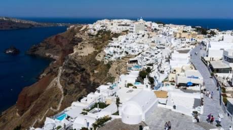 Οι Έλληνες «ψηφίζουν» Σαντορίνη, Χανιά & Χαλκιδική τον Σεπτέμβριο