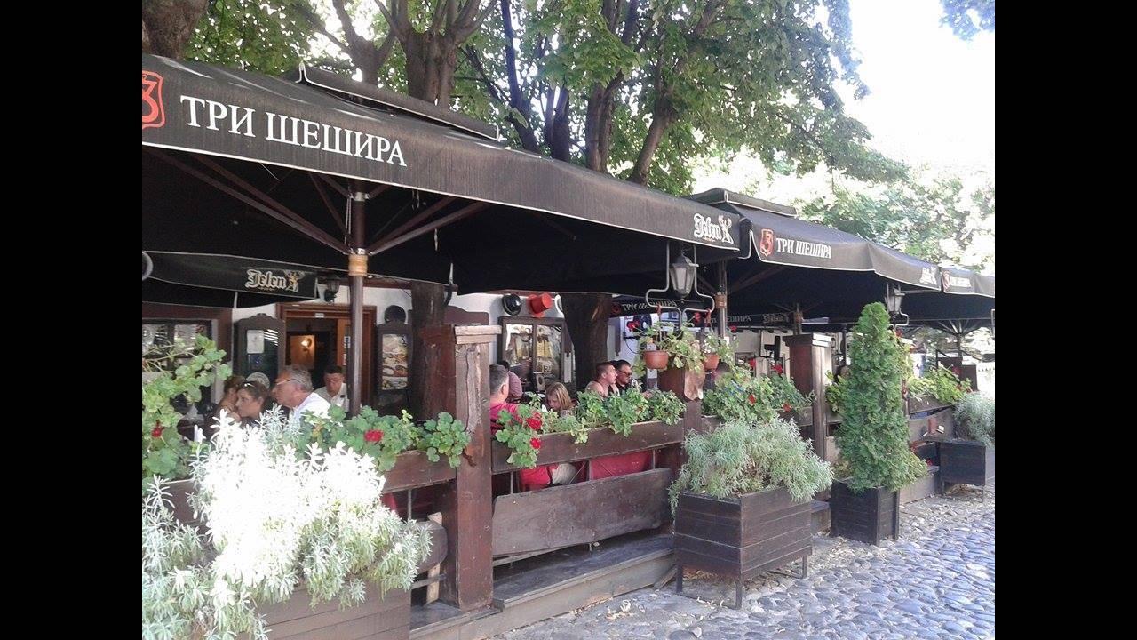 https://cdn.cnngreece.gr/media/news/2016/09/01/44808/photos/snapshot/belgrade-cafe.jpg