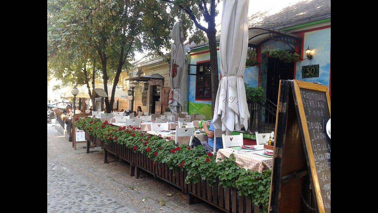 https://cdn.cnngreece.gr/media/news/2016/09/01/44808/photos/snapshot/belgrade-traditional-cafe.jpg