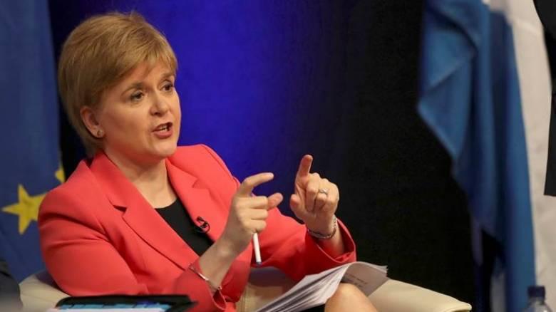 Σκωτία: Η Στέρτζον επαναφέρει με δημόσιο διάλογο το θέμα της ανεξαρτησίας