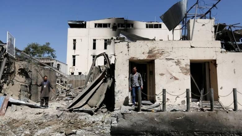 Τους 41 έφτασαν οι νεκροί από τη βομβιστική επίθεση στην Καμπούλ