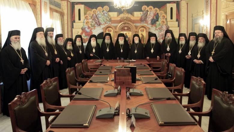 Ιερές αντιδράσεις και διευκρινίσεις για πρωινή προσευχή και θρησκευτικά