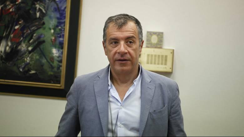 Στ. Θεοδωράκης: Οι ΣΥΡΙΖΑΝΕΛ επιλέγουν το... «κόψτε όλα τα λουλούδια που ανθίζουν»