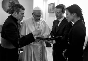 Με τον πάπα Φραγκίσκο και τη σύζυγο του Πρισίλα Τσαν στο Βατικανό