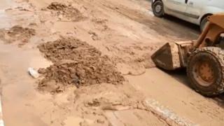 Εικόνες απόλυτης καταστροφής στη Νέα Μηχανιώνα – Συνεχίζονται οι έρευνες για την 53χρονη