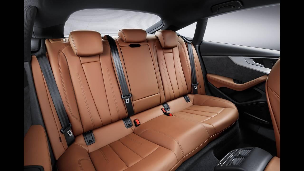 https://cdn.cnngreece.gr/media/news/2016/09/10/45883/photos/snapshot/2017-Audi-A5-SportBack-13.jpeg