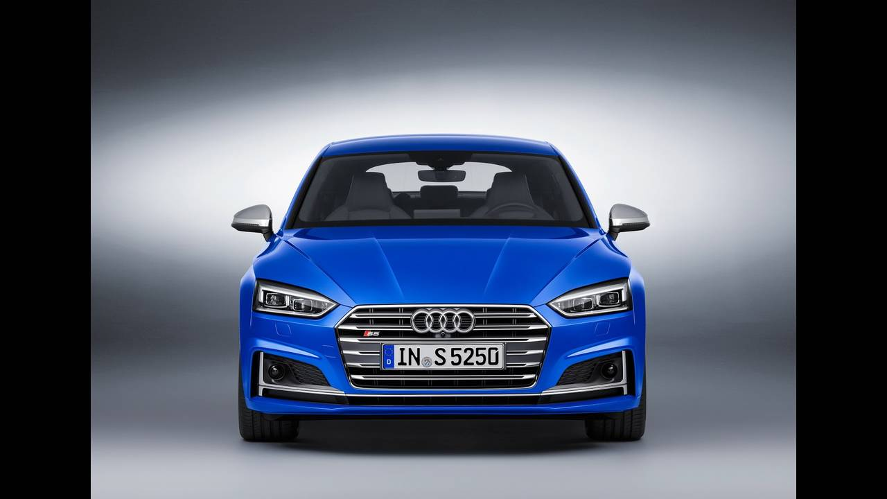 https://cdn.cnngreece.gr/media/news/2016/09/10/45883/photos/snapshot/2017-Audi-S5-Sportback-1.jpeg
