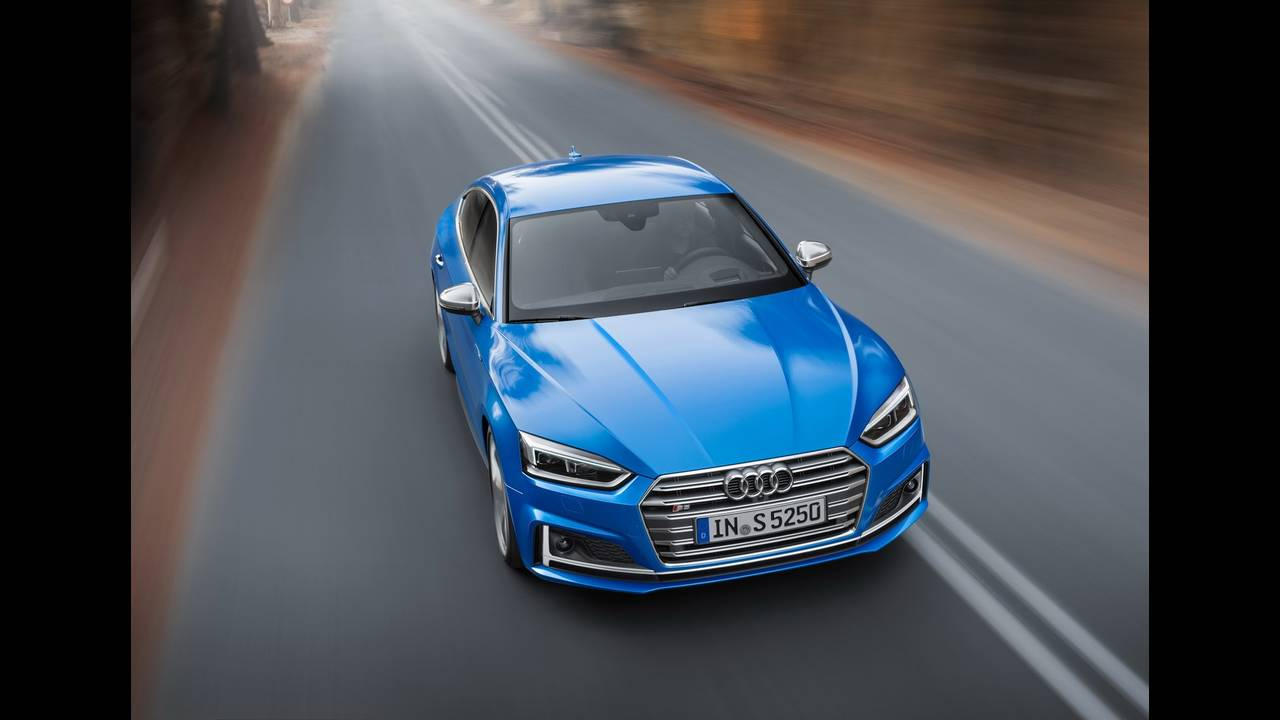 https://cdn.cnngreece.gr/media/news/2016/09/10/45883/photos/snapshot/2017-Audi-S5-Sportback-6.jpeg