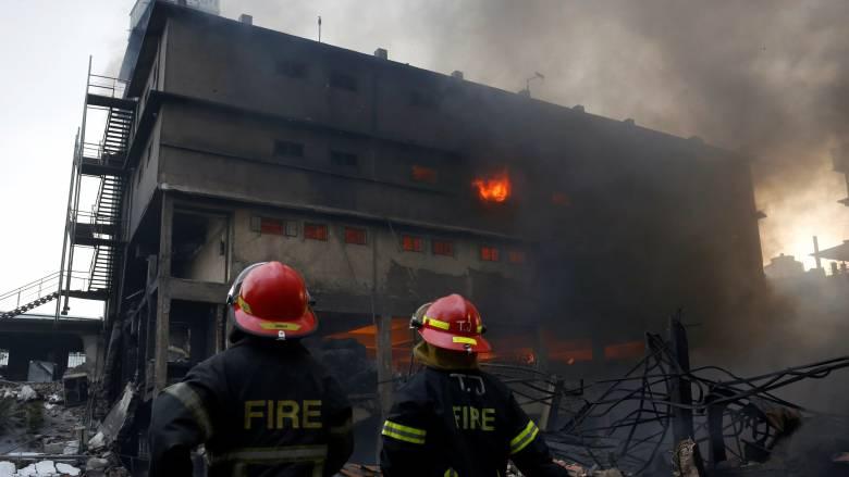 Μπαγκλαντές: Μεγάλος ο αριθμός των θυμάτων από πυρκαγιά σε εργοστάσιο