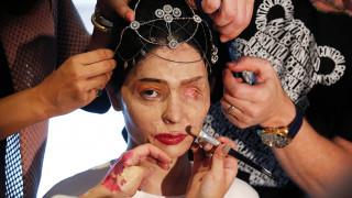 NYFW: Η πασαρέλα της δύναμης από την επιζήσασα επίθεσης με οξύ, Reshma Qureshi