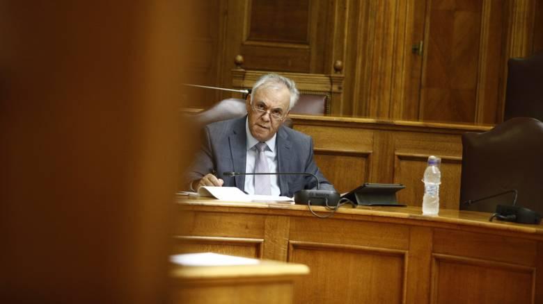 Το Υπουργείο «αδειάζει» Δραγασάκη για το χρέος