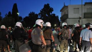 Χίος: Ενταση, ΜΑΤ και χημικά σε συγκέντρωση κατά των προσφύγων