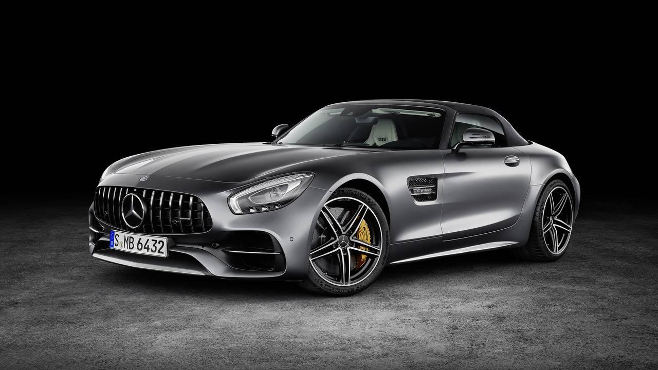 https://cdn.cnngreece.gr/media/news/2016/09/17/46729/photos/snapshot/Mercedes-AMG-GT-Roadster-11.jpg